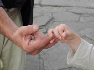 hands-1170549_960_720