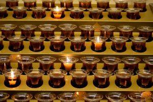 votive-candles-2903933__340-300x200